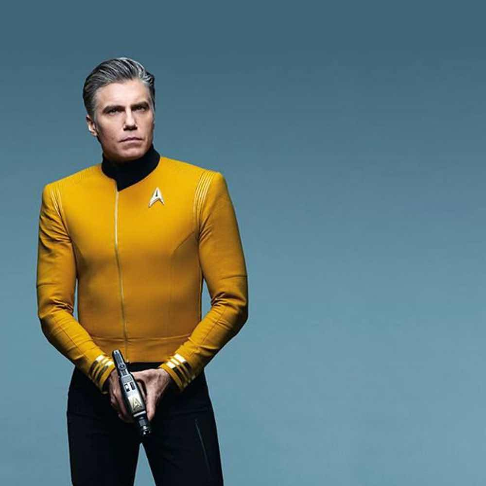 Anson Mount as Pike