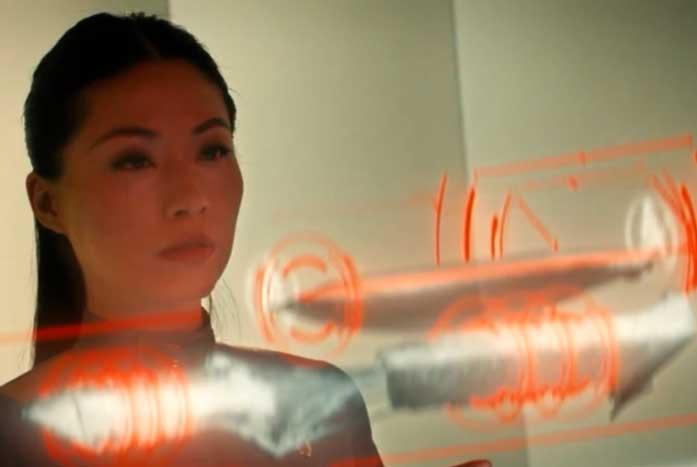 Starfleet communications officer Lt. Teemo, played by Dorren Lee. Courtesy of CBS